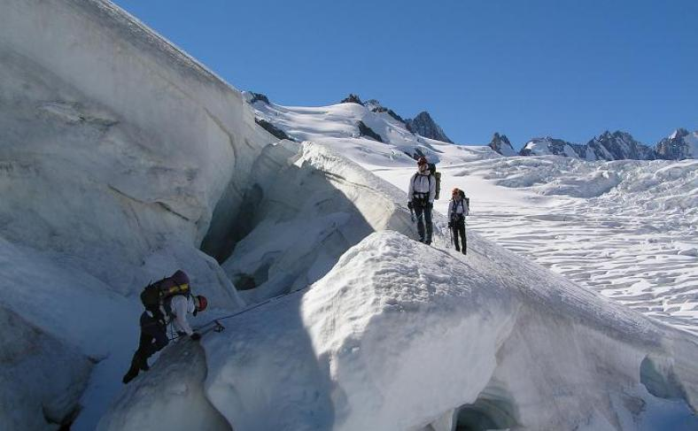 Climbing-Queenstown-Mountain-Guides-guided-walks-Mount4