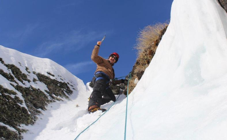 climbing-queenstown-mountain-guides-remarkables-mountaineering